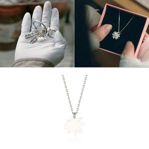 MINWHEE ART JEWELRY - Mouse, Snowflake Necklace